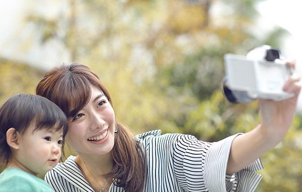 Canon EOS Kiss Mはパネルにタッチすることでシャッターが切れる